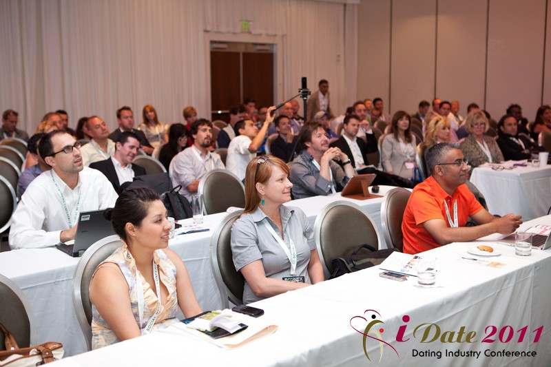 Datinghype-tai-lopez-idate2011-online-dating-summit-industry-trade-show-california-03